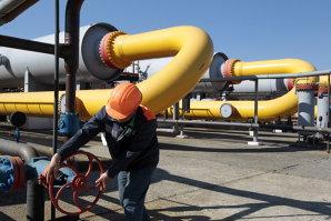 Mesajul lui Traian Băsescu pentru Ucraina: Să găsească resurse pentru a plăti datoriile la gaze. Nu poate cere bani zilnic