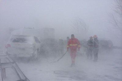 VREMEA. Opt persoane rănite în trei accidente produse pe autostrada A2 Bucureşti - Constanţa