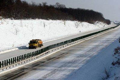 CNADNR dispune sancţiuni pentru întârzierea deszăpezirii pe autostrada A2