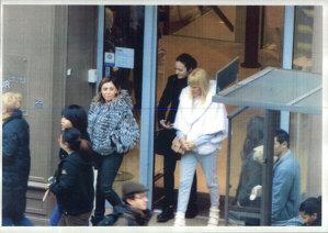 """Cristian Tudor Popescu, despre imaginile cu Udrea la shopping la Paris: """"Asta nu e o operaţiune de servicii, este o filmare de paparazzi"""""""