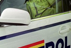 """Poliţist prins în flagrant în timp ce primea mită pentru a """"rezolva"""" un dosar"""