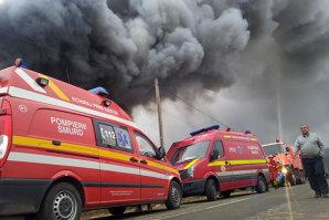 Incendiu la o casă din zona Băneasa, trei persoane au fost evacuate