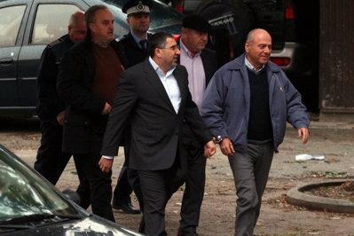 Dorin Cocoş, Gheorghe Ştefan, Gabriel Sandu şi Nicolae Dumitru, în arest încă 30 de zile
