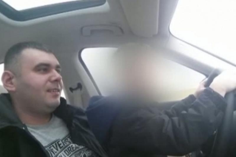 Un barbat din Dolj si-a filmat fiul de 10 ani �n timp ce copilul conducea pe un drum public. Reactia politistilor