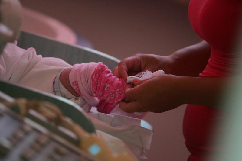 Cazul unei rom�nce care a născut la v�rsta de 11 ani i-a şocat pe medicii din Grecia