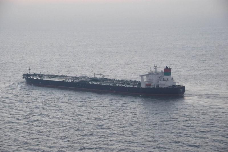 Un marinar rom�n a murit �n Libia, dupa ce un petrolier grecesc a fost atacat de un avion de v�natoare libian