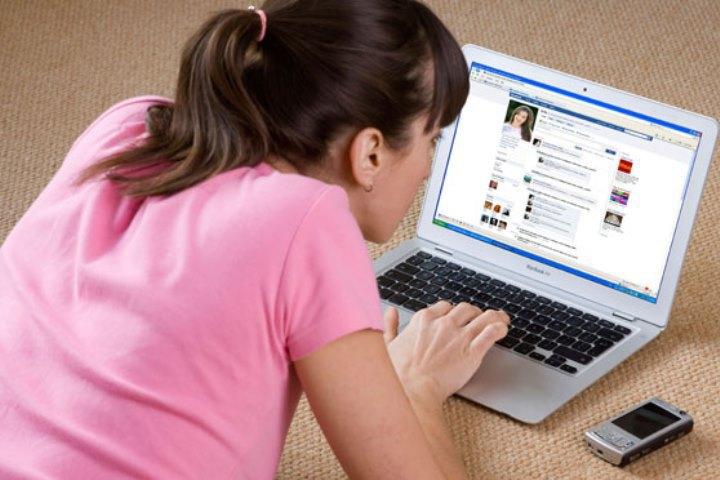 O femeie din Suceava si-a gasit un partener de afaceri pe Facebook. C�teva zile mai t�rziu, ea s-a adresat Politiei