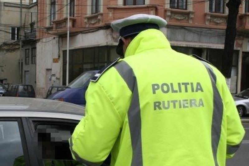Un sofer beat a fost oprit de politie. Ce a urmat seamana cu scenariul unui film de actiune