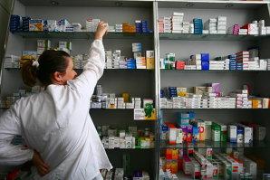 Dosarul medicamentelor contrafăcute: Liderul reţelei, arest preventiv, alţi trei, arest la domiciliu
