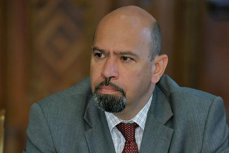 Condamnat definitiv pentru corupţie şi propus pentru arestare, deputatul Marko Attila susţine că este sub protectoratul autorităţilor maghiare