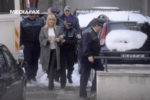 Elena Udrea a cerut Poliţiei Capitalei să renoveze celula în care era ţinută în arest, pe banii ei. Răspunsul a venit azi