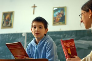 Ce ar putea păţi elevii care optează să nu facă ora de religie