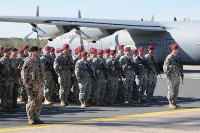 """Paraşutiştii americani care vor ajunge în Ucraina au iritat puterea de la Moscova: """"Asta nu va aduce pacea"""""""