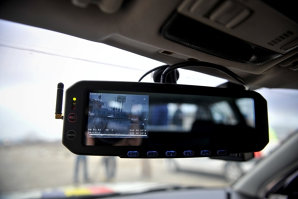 Într-o zonă unde restricţia era de 30 km/h, a apăsat pedala până la capăt, fără să ştie că era vizat de radar