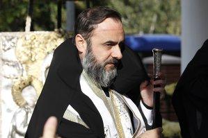 De ce a iertat-o arhiepiscopul Buzăului şi Vrancei pe una dintre cele trei persoane excomunicate