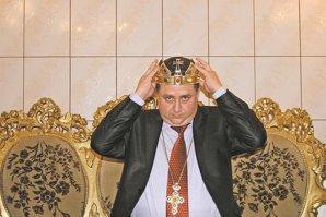 Dan Stănescu, autointitulatul rege al romilor creştini, audiat la DNA Piteşti