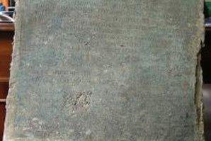 Două tabulae cu legile municipiului Troesmis (actualul judeţ Tulcea), readuse în România de la Londra