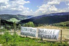 """Apelul ecologiştilor către DNA: Autosesizaţi-vă în cazul gropii de gunoi din vârful muntelui! Ce spun reprezentanţii pe mediu ai Comisiei Europene despre """"minunea românească"""""""