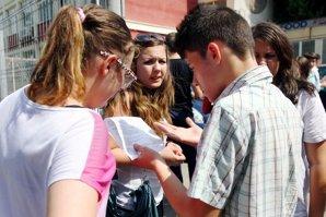 """La Harghita s-a dat """"Evaloare Naţională"""". Greşeala apărută pe toate foile de examen date de Inspectoratul Şcolar"""