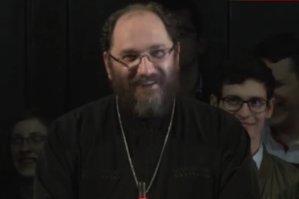 """Discursul unui preot sibian a devenit viral pe internet: ce înseamnă ca soţia """"să se supună"""" bărbatului. VIDEO"""