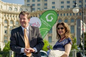 După ce soţia lui s-a operat la Bucureşti, ambasadorul Olandei în România dă o ultimă dovadă de încredere în ţara noastră. Anunţul făcut pe Facebook