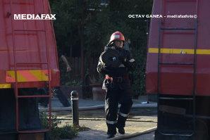 Doi copii de cinci şi şapte ani au fost salvaţi dintr-un incendiu ce le-a cuprins gospodăria. Focul a fost produs de un gest neglijent