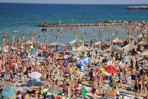 Mii de kilograme de carne din restaurante şi magazine de pe litoral, confiscate