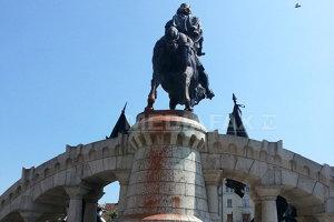 Reacţia UDMR după vandalizarea statuii lui Matei Corvin