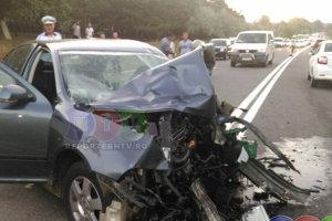 Grav accident de circulaţia la Constanţa: Cinci persoane au murit după ce două autoturisme s-au ciocnit frontal