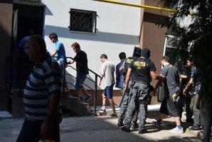Nepotul decanului Baroului Vrancea şi ceilalţi 6 tineri reţinuţi pentru trafic de droguri, arestaţi