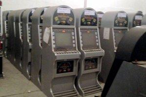 """Evaziune de 5 milioane de euro cu aparate de """"păcănele"""" contrafăcute"""