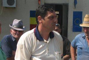 Primar din Mehedinţi, reţinut după ce a fost prins conducând un microbuz şcolar, fără să aibă permis auto