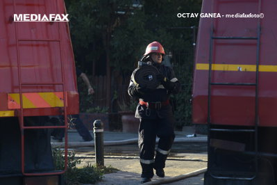 Pompierii au avut nevoie de zece ore pentru a stinge şapte incendii izbucnite la Satu Mare. 150 de hectare de vegetaţie uscată s-au făcut scrum