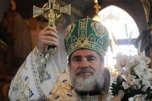 Cum au fost PEDEPSIŢI 60 de preoţi din Bacău care au vândut prea puţine lumânări