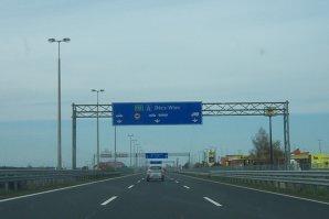 Traficul a fost blocat pe autostrada M1, la graniţa dintre Ungaria şi Austria. Ce le recomandă MAE şoferilor