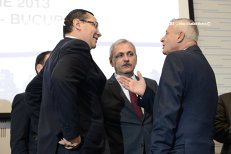 """Premierul-inculpat Ponta, """"uluit"""" de arestarea primarului Oprescu. """"Nu vă aşteptaţi să mă alătur corului de şacali şi hiene care îl vorbesc de rău"""""""
