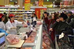 Magazinele ar putea să vândă 51% carne, legume şi fructe produse în România