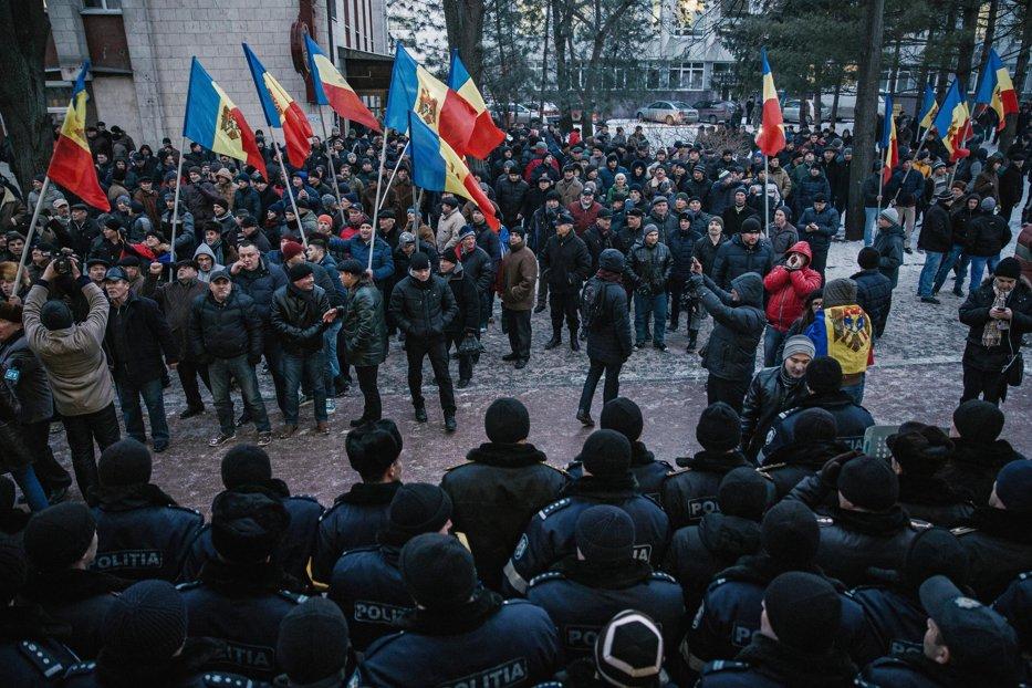 Lecţia pe care Republica Moldova nu a învăţat-o de la România. Riscurile majore ale crizei de la Chişinău