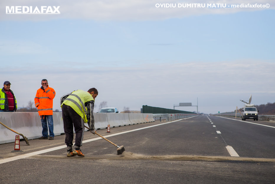 HARTA autostrăzilor din România. Câţi kilometri vor fi inauguraţi în 2016 şi ce lucrări ar urma să înceapă