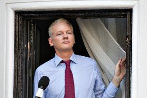 Naţiunile Unite: Julian Assange este deţinut în mod arbitrar de Suedia şi Marea Britanie. Reacţia fondatorului WikiLeaks