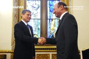 """Traian Băsescu, atac dur la adresa premierului: """"Stai cu plagiatorul Tobă la dreapta, te faci că nu vezi"""""""