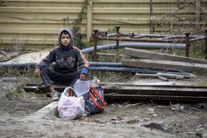 TOPUL risipei alimentare. Câtă mâncare ajunge la gunoi în fiecare zi în România, ţara în care copiii se culcă cu burta goală