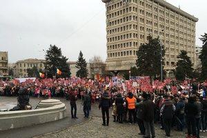 700 de oameni, în stradă la Ploieşti pentru familia Bodnariu