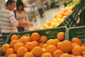 O nouă pistă în cazul bebeluşilor infectaţi: sunt controlate portocalele dintr-un lanţ de supermarketuri