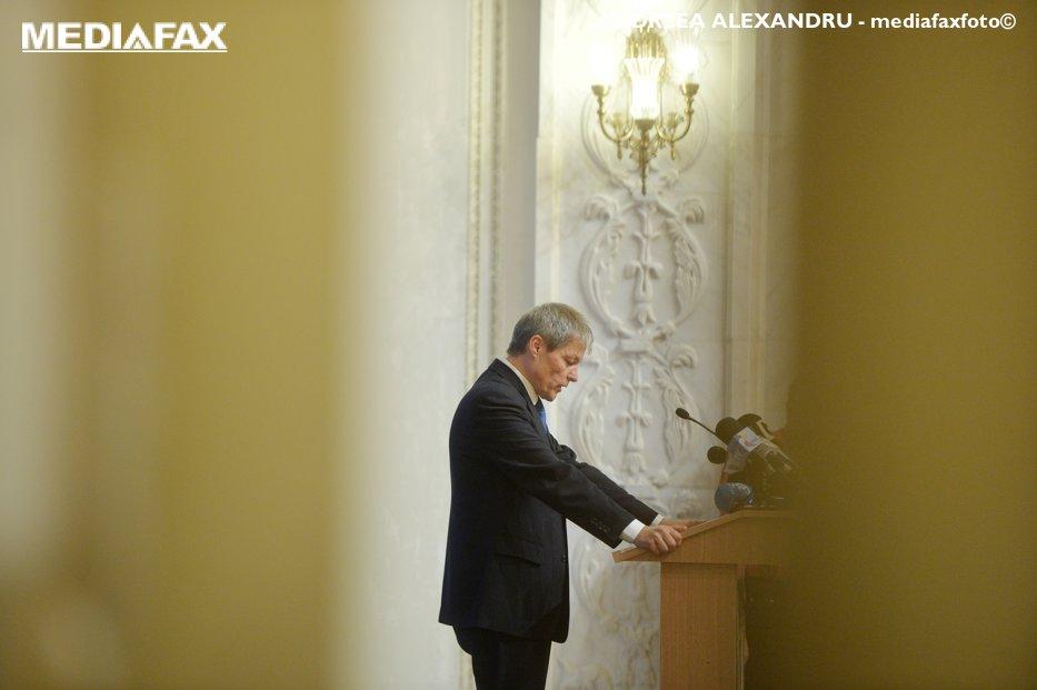 Mini-guvernul PSD din umbra lui Cioloş. Cine sunt oamenii din eşalonul doi de la Palatul Victoria