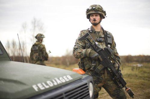 Obama cere Germaniei să trimită armată în România