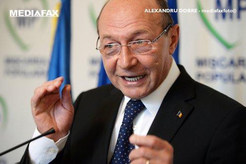 """Băsescu: """"Nu puteam candida în calitate de suspect"""""""