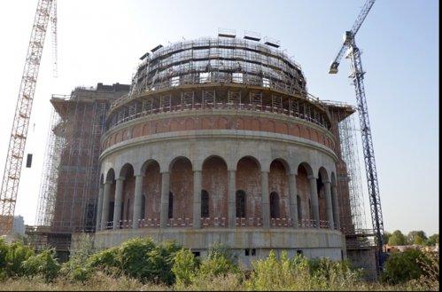 Catedrala Mântuirii Neamului va fi sfinţită pe 1 decembrie 2018