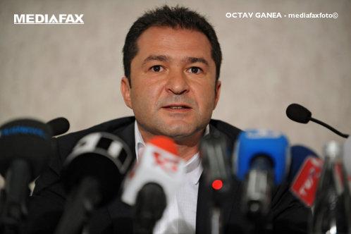 Elan Schwartzenberg a fost dat în urmărire naţională de Poliţia Română
