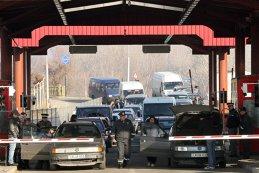 Vameşii de la Nădlac i-au cerut unui român să deschida uşa microbuzului. ŞOCUL IMENS a venit imediat: ce au descoperit pe locul din spate al maşinii